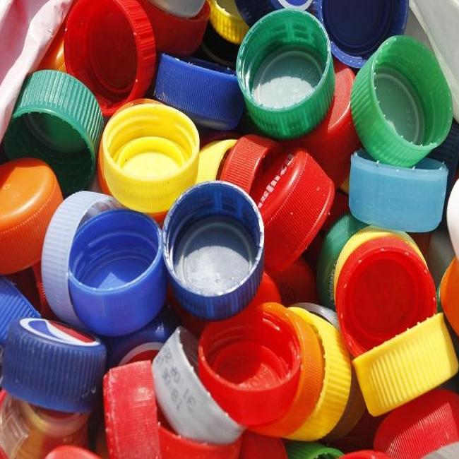ČEP ZA FLAŠE PLASTIČNI SA NAVOJEM 10KOM | Uradi Sam Doo